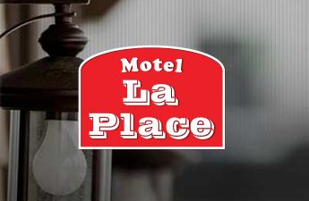 Motel La Place - Client profitant de notre plateforme multi-commerces sur aCoaticook