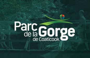 Randonnée du Parc de la Gorge de Coaticook - Client profitant de notre plateforme multi-commerces sur aCoaticook